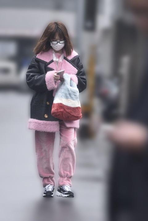 【画像】熱愛激写されたぱるること島崎遥香さんの私服が酷いwwwwww