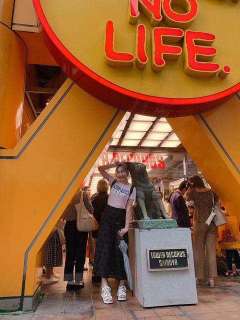 【画像】渋谷タワレコにSKE48のCDを買いに来たロリロリ美少女に店内騒然!!!
