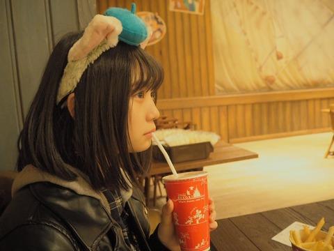 【SKE48】小畑優奈ちゃん「彼女が歩き疲れてジュース飲んでるなぅに使っていいよ」