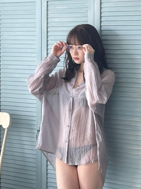 【SKE48】メガネ女子の水着グラビアって珍しいよね?【江籠裕奈】