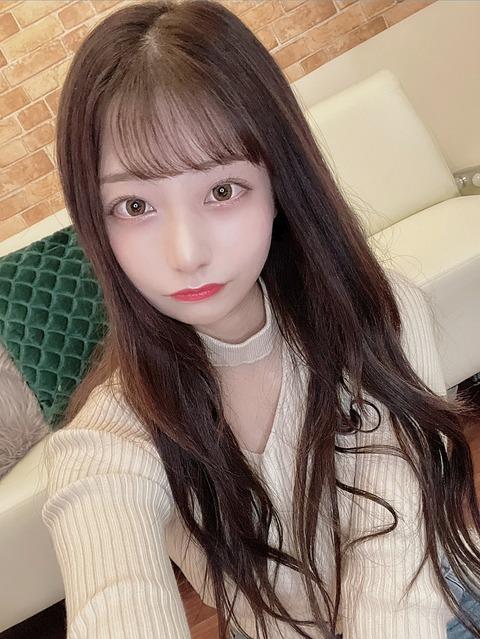 【AKB48】ニットパイ配信した鈴木優香ちゃんがエ口いwwwwww