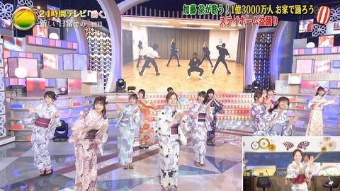 【悲報】AKB48、ついに乃木坂46のバックダンサーになる屈辱を受ける