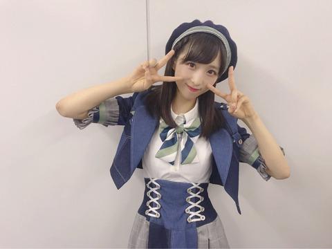 【AKB48】ゅぃゅぃの谷間が見える画像ってまだないよね?【小栗有以】