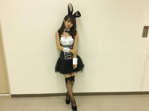 【画像】NMB48磯佳奈江のバニーガールコスプレエロ過ぎwww【谷間アリ】
