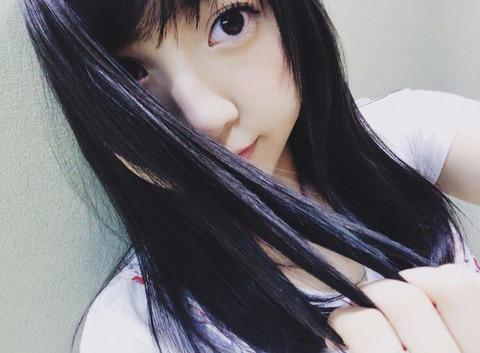 【AKB48】木﨑ゆりあが髪をパールブルーアッシュに染める