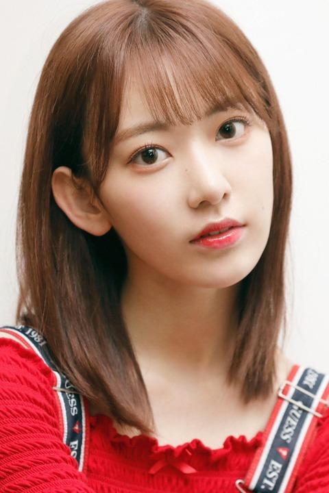 【HKT48】宮脇咲良さんが「VOGUE GIRL」でメイクの秘密などを大公開!