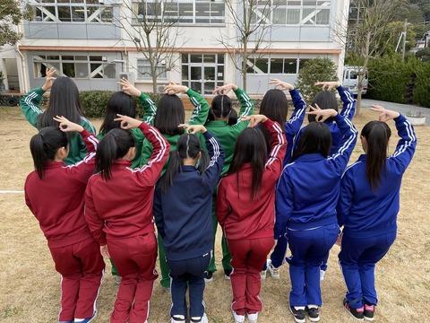 【画像】チーム8新メンバー12人の体操服キタ━━━(゚∀゚)━━━!!