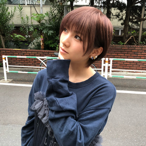 【AKB48】髪をピンクに染めた岡田奈々が可愛過ぎる!