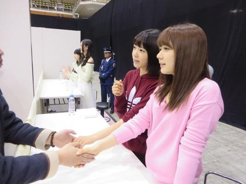【AKB48G】片手で握手するヲタって何なの?【握手会】
