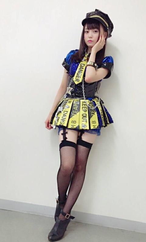 【画像】ひーわたんのロマンス拳銃の衣装エッロ!!!【AKB48・樋渡結依】