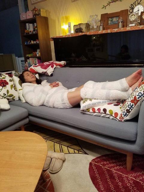 【左江内氏】ぱるるが小泉今日子の寝顔を激写!「アラフィフでこの可愛さ」「お美しい」【島崎遥香】