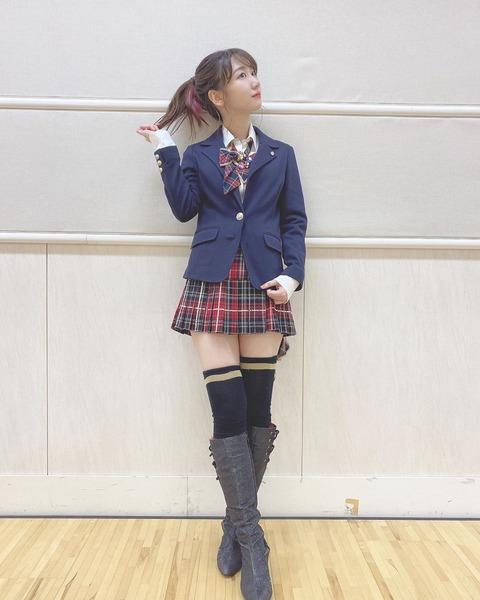 【画像】AKB48柏木由紀(28歳)の女子高生姿に「可愛すぎる」「鳥肌」と話題騒然!!!