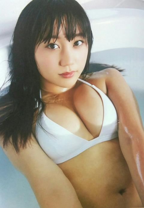 【NMB48】薮下柊ちゃんの水着おっぱいの迫力が凄いwwwwww