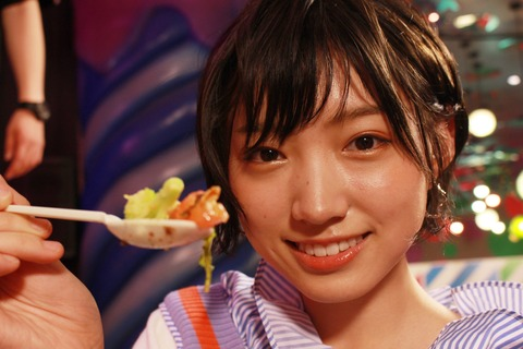 【NMB48】毛穴まで見えてしまいそうな超高画質の太田夢莉