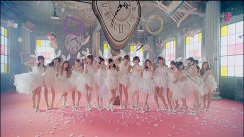 AKB48で最強の曲はファーストラビットで異論ないよね?