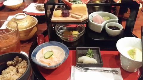 【朗報】松井玲奈FCツアーの食事が豪華だと話題に!【画像あり】