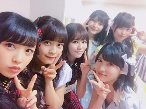 【AKB48】谷口めぐ、幻の胸チラ画像を投稿するも慌ててツイ消しwww