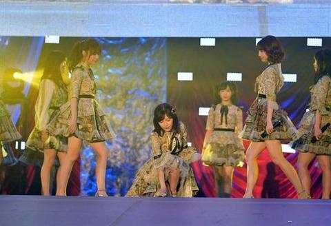 【AKB48】渡辺麻友の卒業公演が小栗有以の16歳の誕生日なのは絶対偶然じゃないよな?【12/26】
