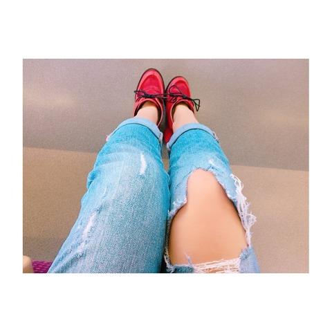 【AKB48】れなっちのダメージジーンズがダメージ受けすぎててワロタwww【加藤玲奈】