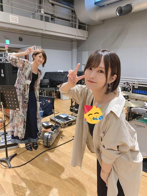 【画像】山本彩が久しぶりにお〇ぱいを!!!