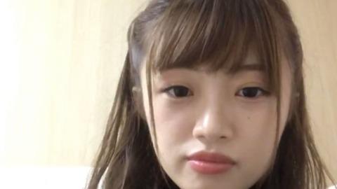 【NGT48】中井りかが長谷川玲奈を振り払い本間日陽を隣に呼び寄せ笑顔で記念撮影