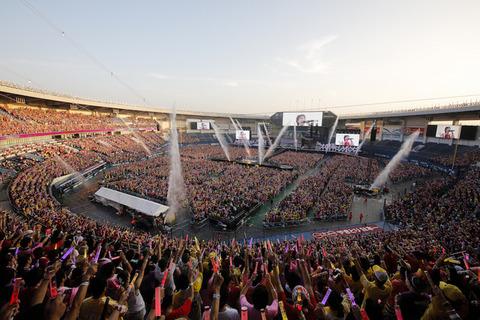 AKB48グループって300人以上いるんだろ?乃木坂に対抗しろとは言わないけどこれくらいは普通できるだろ?