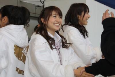 大島優子さん、真冬の屋外握手会にガチギレ