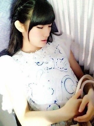 【AKB48G】メンバーの寝てる画像ください
