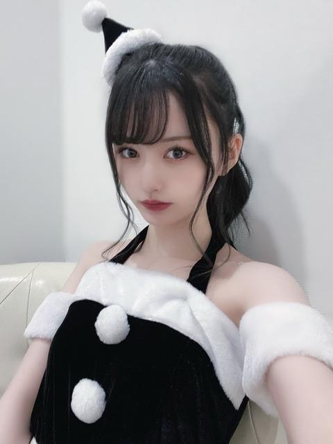 【朗報】NMB48山本望叶ちゃんの黒サンタコスがエロすぎると話題に!