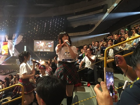 【AKB48G】コンサートの撮影タイムで最強のスマホを教えてくれ