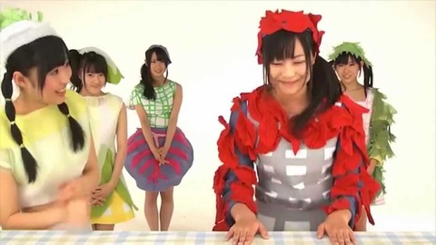 【HKT48】指原莉乃って野菜シスターズの頃からMCの才能の片鱗を見せてたよな(メンバーを見る目付きは変態だけど)