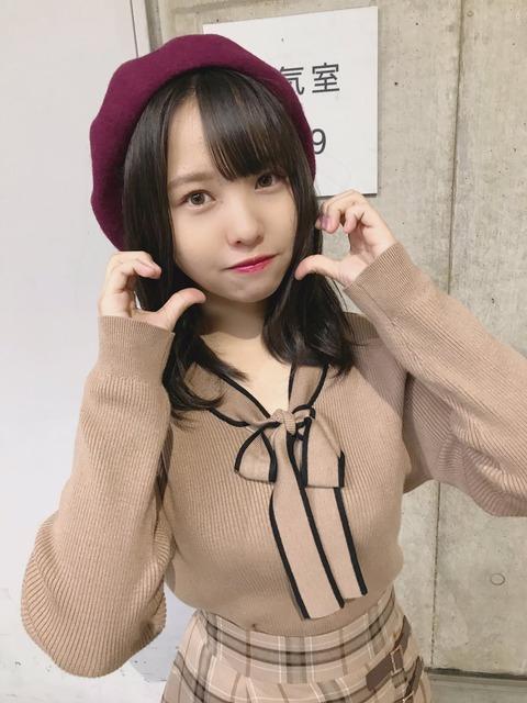 【動画】街中でギター弾き語りをするNMB48本郷柚巴ちゃんがカッコE!
