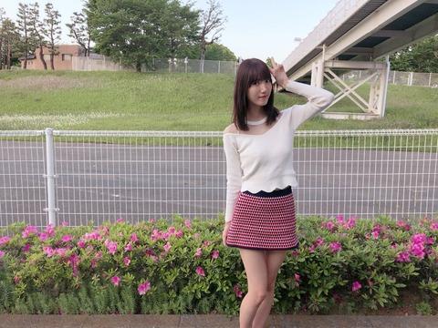 【HKT48】田中菜津美「スカートが短すぎるから膝掛けしてくださいとスタッフさんに言われ強制終了wくそぉぉぉぉ!」