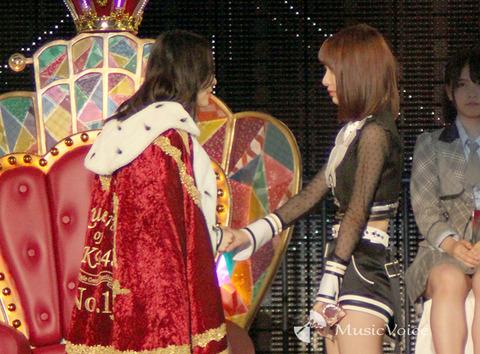 【AKB48総選挙】松井珠理奈さん、スタッフから宮脇咲良への態度を注意され号泣していた