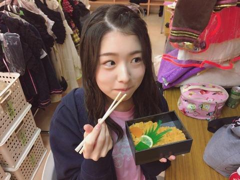 【AKB48】さっほーが公演前に駅弁を堪能www【岩立沙穂】