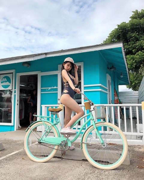 【画像】れなっちがファッション誌の撮影で行ったハワイで買った水着がエロい!!!【AKB48・加藤玲奈】
