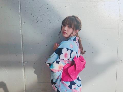 【悲報】加藤玲奈のTwitterフォロワー数が伸びない。来年には向井地美音・岡田奈々・小嶋真子・高橋朱里に確実に抜かれる