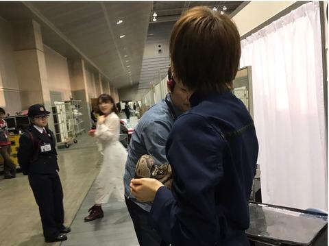 【AKB48】こんな警備員に何が守れるというのか?【握手会】