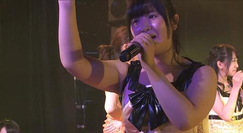 【AKB48】これもうアイドルの体型じゃないだろ・・・【佐藤妃星】