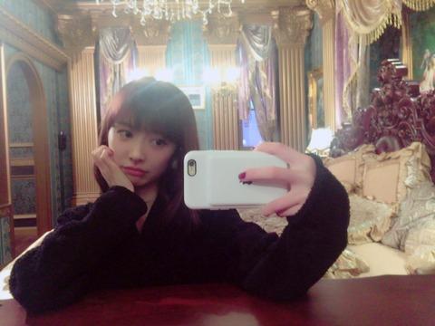 【AKB48新聞】茂木忍のグラビア連載に武藤十夢キタ━━━(゚∀゚)━━━!!