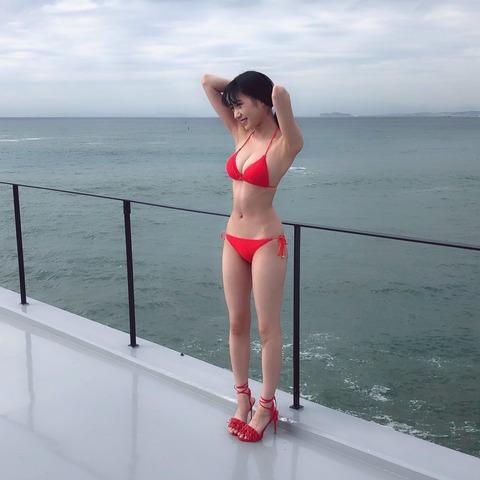 【NMB48】横野すみれの水着グラビアオフショットキタ━━━━(゚∀゚)━━━━!!