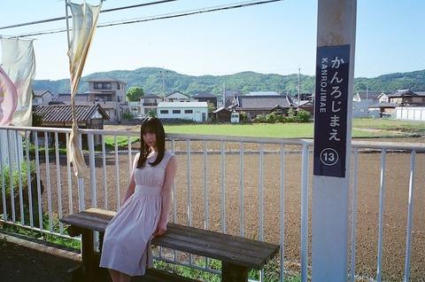 【NMB48】「blt graph.vol.67」フィルムカメラで撮影した梅山恋和オフショットを公開