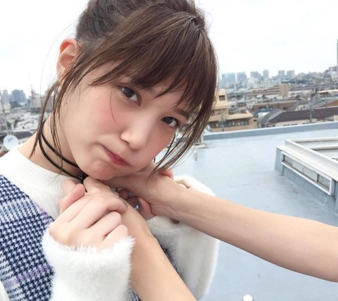 【youtube】本田翼さんゲーム実況生配信10万人を集め、宮脇咲良の登録者数を超えるwww
