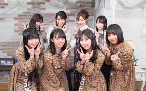 【悲報】SKE48の若手メンバーが峯岸みなみの友人でレジェンドAV女優明日香キララと一ヶ月間番組共演・・・