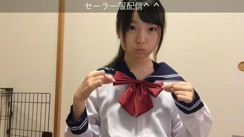 【GIF画像あり】AKB48久保怜音ちゃんがセーラー服で豪快な胸チラwww