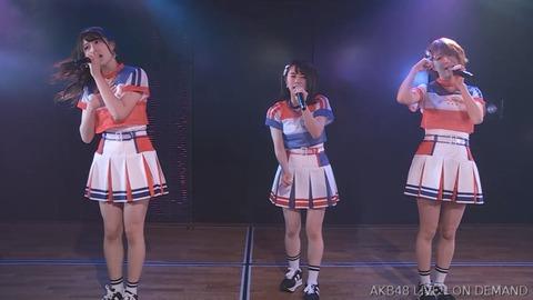 【悲報】チーム4「手をつなぎながら」公演の衣装が改悪されてしまう【AKB48】