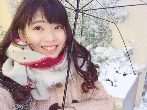 【朗報】まちゃりん、積雪を初体験!!!【AKB48・馬嘉伶】
