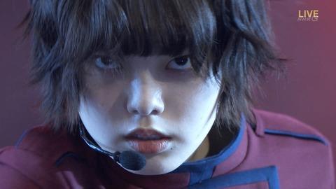 【放送事故】NHK紅白で欅坂46平手友梨奈さんが毎年恒例の気絶芸wwwwww
