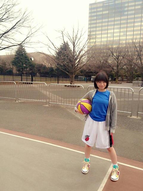 【反則】美桜ちゃんがバスケやるのにボールを3つも持ってるんだけど・・・【HKT48・朝長美桜】