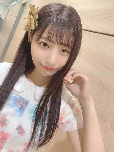 【朗報】AKB48チーム8鈴木優香ちゃん、SHOWROOM配信中に生ブラが見えてしまうハプニング発生www(1)